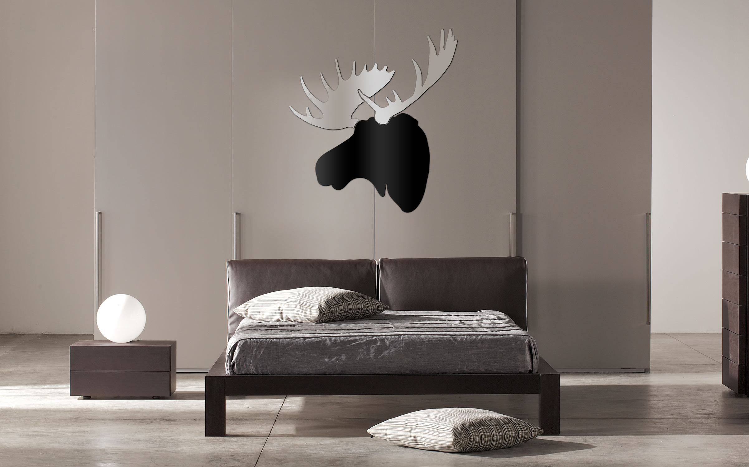 URBAN MOOSE - 36x36 in. Black & Silver D?cor - Lifestyle Image