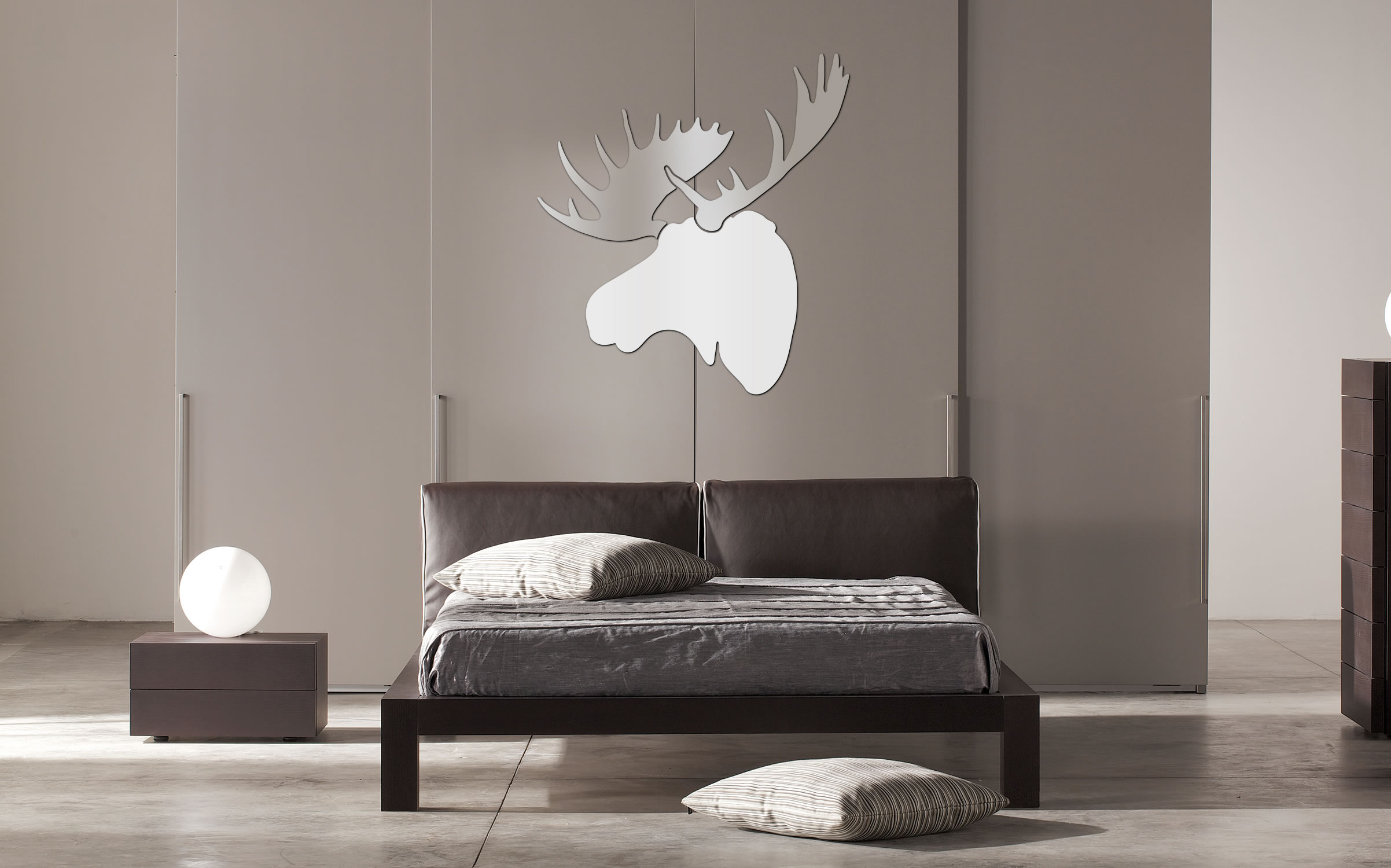 REGAL MOOSE - 36x36 in. White & Silver Decor - Lifestyle Image