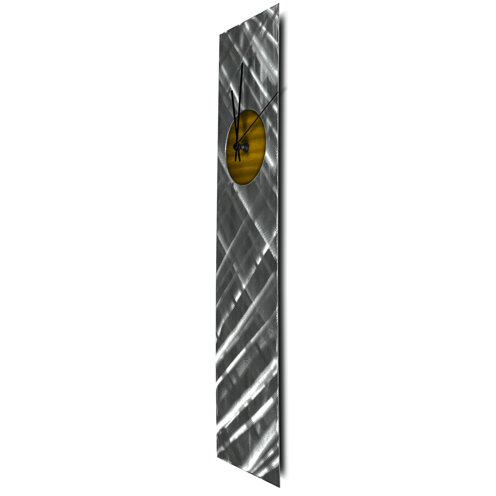 Plaid Relief Clock Gold - Image 2
