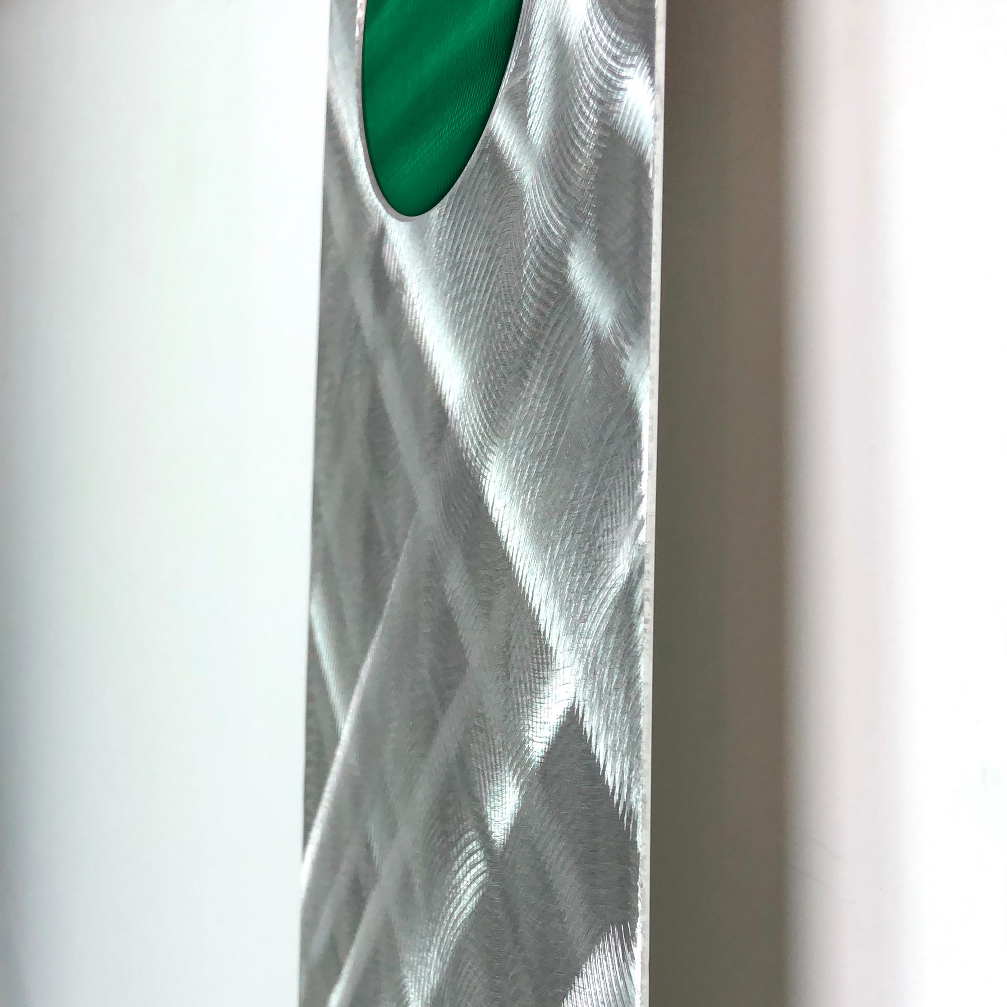 Plaid Relief Clock Green - Image 3